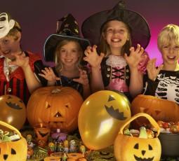 Halloween – So basteln Sie eine lustige Partydeko